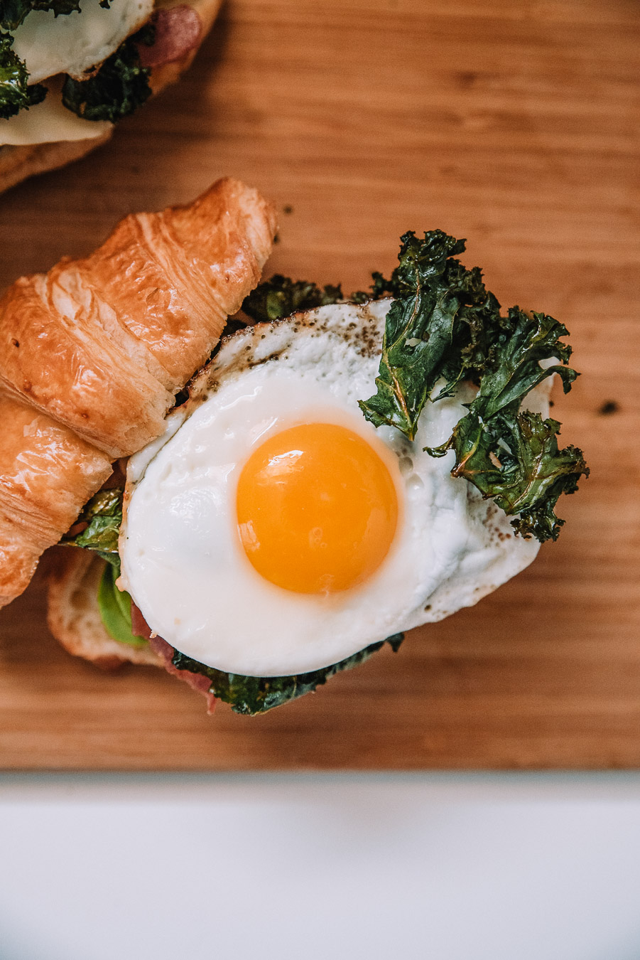 Breakfast Sandwich Crispy Kale